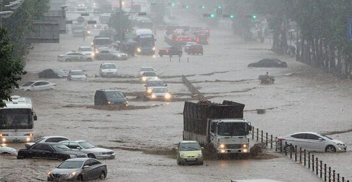 Heaviest Rains in Century in South Korea (14 pics + video)