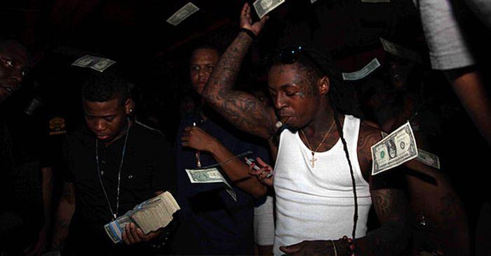 Money Rain at The Strip Club In Miami (20 pics)