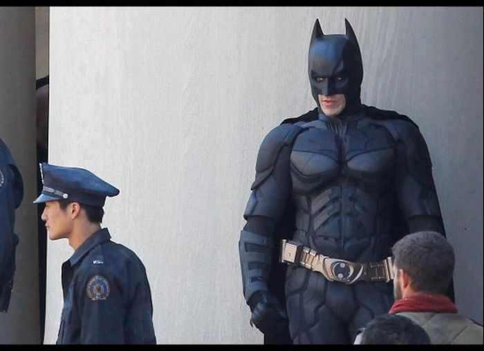 The First Scenes from 'The Dark Knight Rises' (7 pics + 2 video)