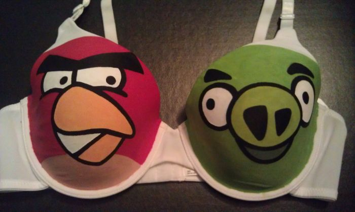 Angry Birds Bra (6 pics)