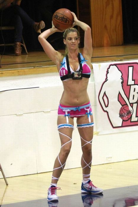 The Lingerie Basketball League (19 pics)
