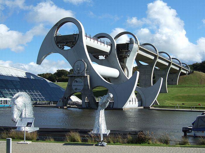 Falkirk Wheel (26 pics + 1 gif)