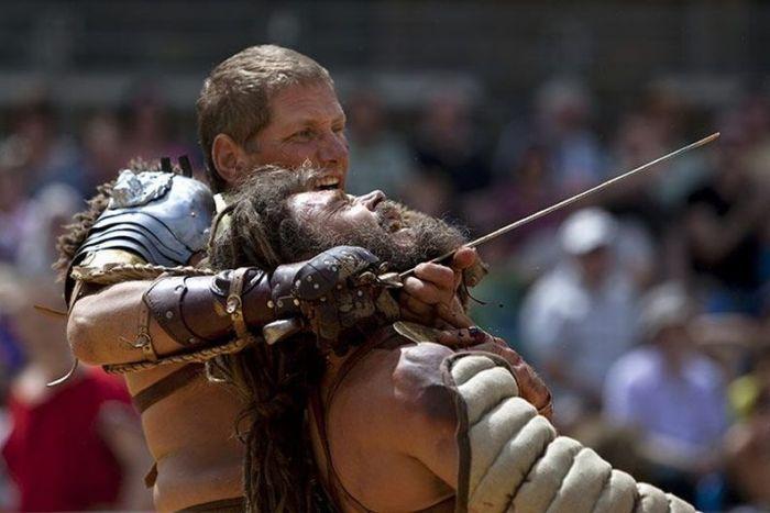 Gladiator Fighting in London (11 pics)