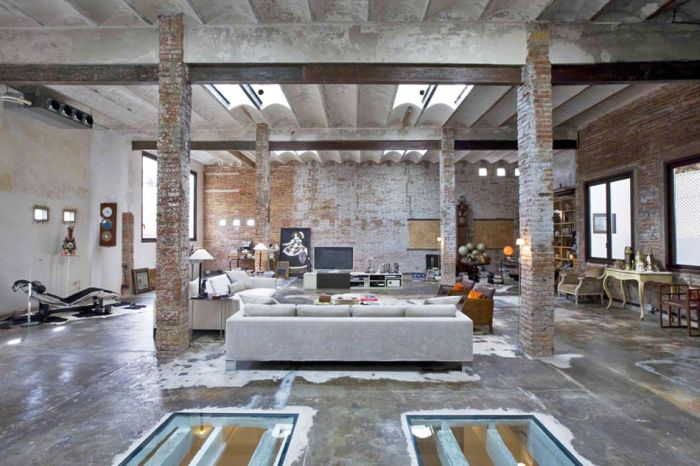 From a Warehouse to a Modern Loft (11 pics)