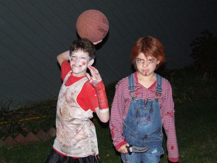 Everyday Life of Zombies (24 pics)