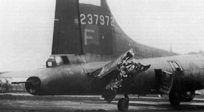 The Most Amazing Landings of Boeing B-17 Flying Fortress (33 pics)
