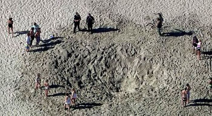 Teen Survives 30 Minutes Buried in Sand (9 pics)