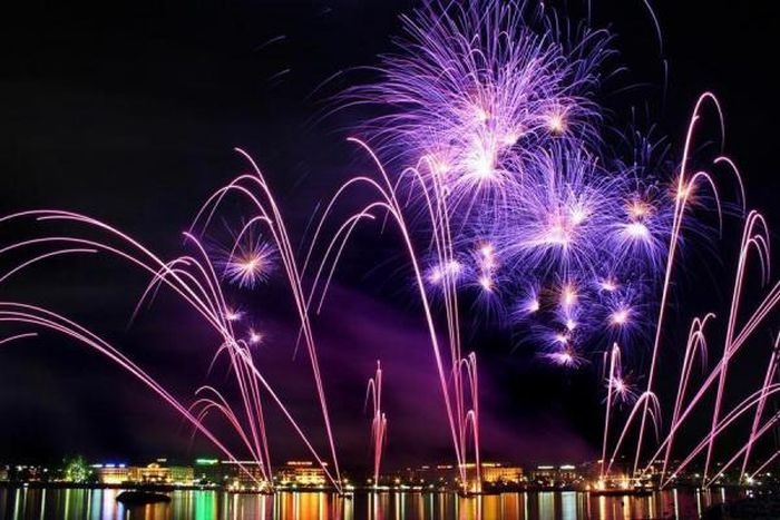 Spectacular Fireworks Photography (39 pics)