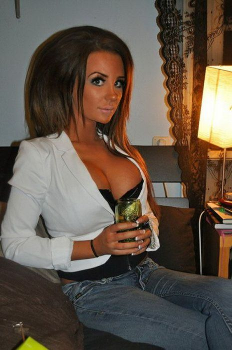"Alexandra ""Kissie"" Nilsson, Famous Girl of Swedish Facebook (17 pics)"