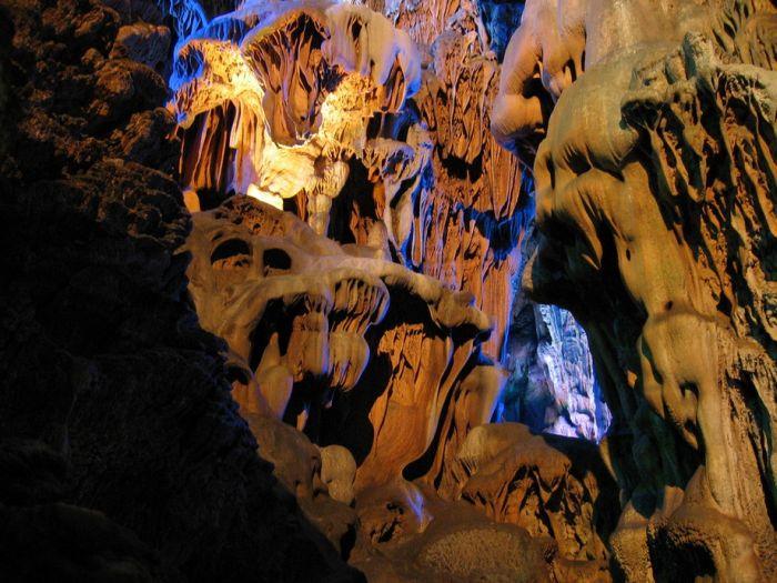 Reed Flute Cave (28 pics)