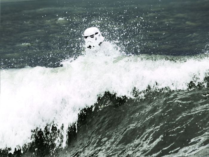 Surfing Trooper (33 pics)