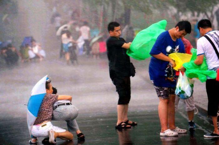 Typhoon in Shanghai (18 pics)