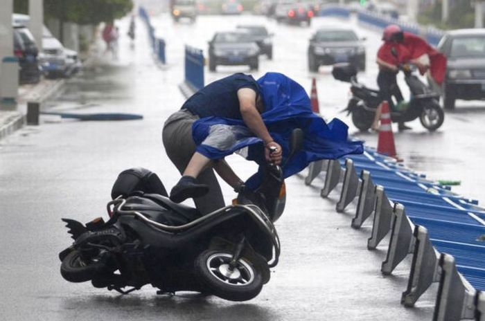 Typhoon in Shanghai (18 pics)