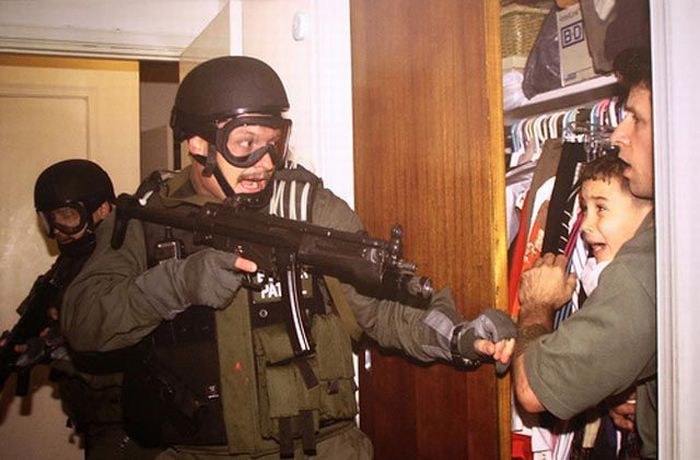 Pulitzer Winning Images of the Last 30 Years (25 pics)