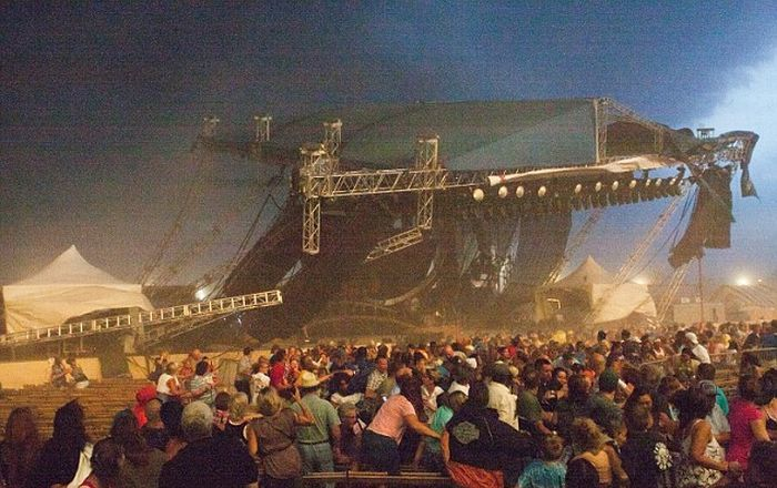 Stage Collapses at Indiana State Fair (5 pics + video)