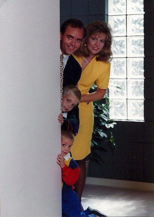 Awkward Family Vacation Photos (51 pics)