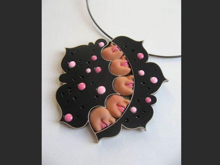 Barbie Dolls Jewelry (15 pics)