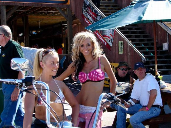 Girls of Sturgis Motorcycle Rally (45 pics)