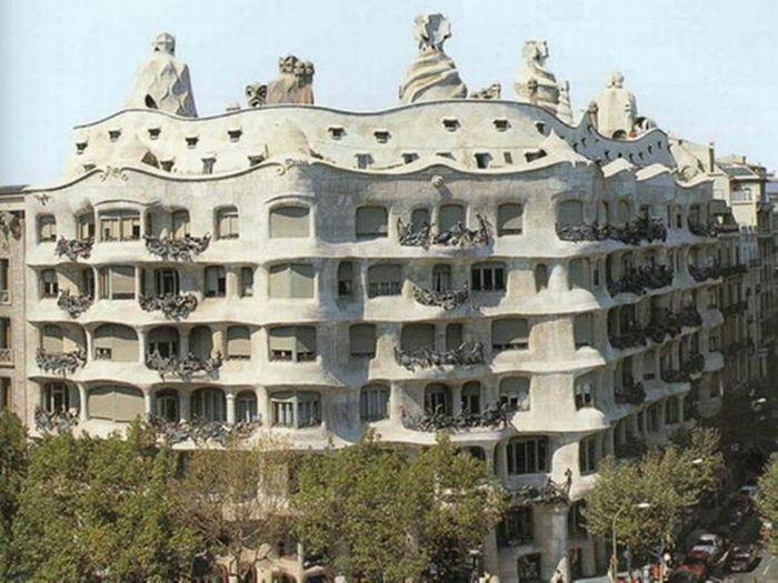 Unusual Houses (120 pics)