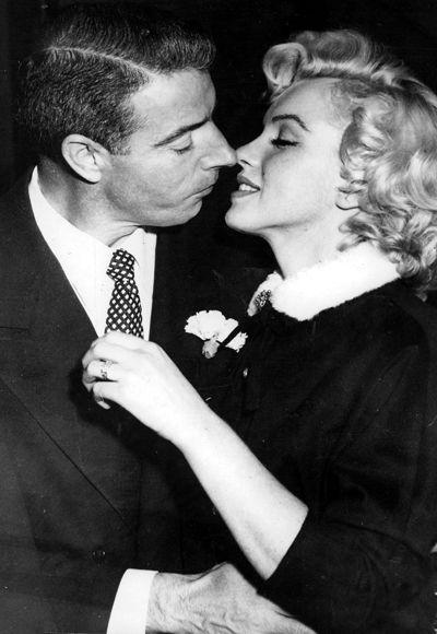 Greatest Celebrity Kisses (9 pics)