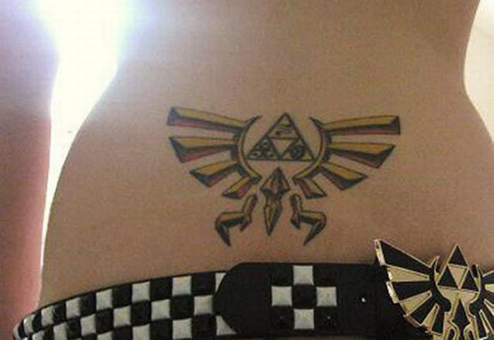 Tramp Stamp Tattoos (20 pics)