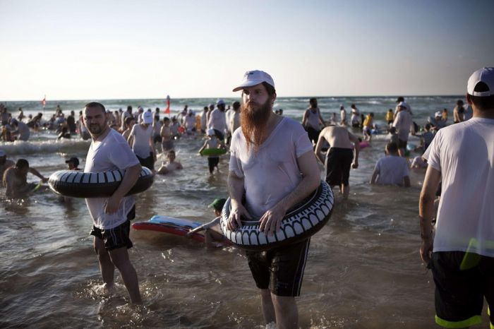 Kosher Beach in Israel (6 pics)