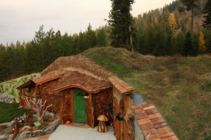 pics photos lotr fans fantastic real life hobbit house