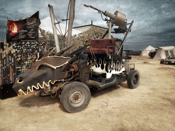 Mad Max Movie Photo Set  (27 pics)