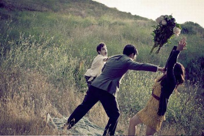 Weird Wedding Photo Session (18 pics)