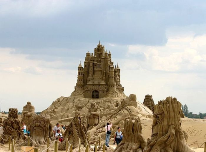 World's Best Sand Sculptures (61 pics)