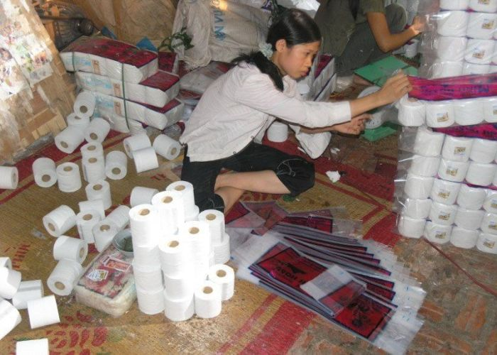 Chinese Toilet Paper Factory (24 pics)