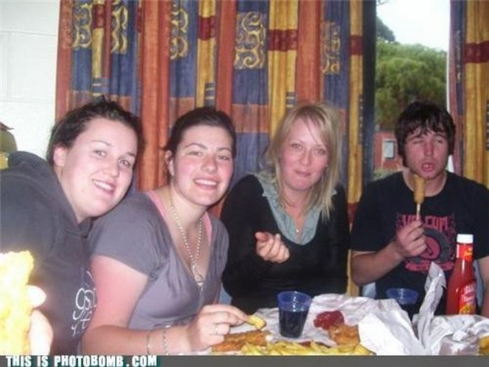 Hilarious Photobombs. Part 14 (40 pics)
