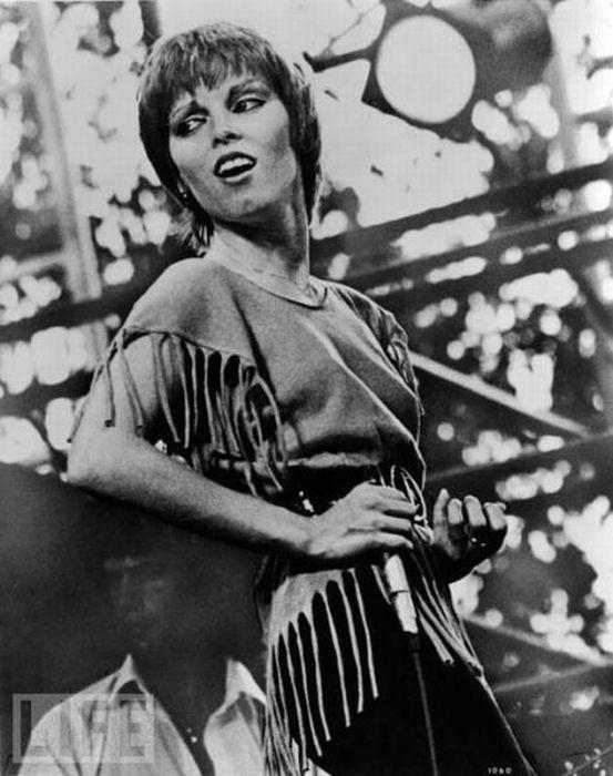 Famous Women Rockers (83 pics)