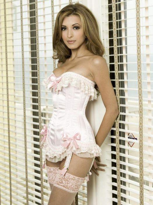 Sexy Girls Wearing Tight Corset 28 Pics-8151