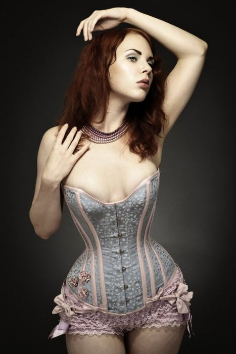 Sexy Girls Wearing Tight Corset (28 pics)