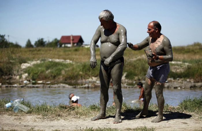 Mud Spa In Serbia (14 pics)