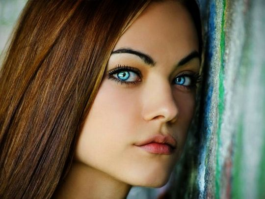 Hot girl blue eyes