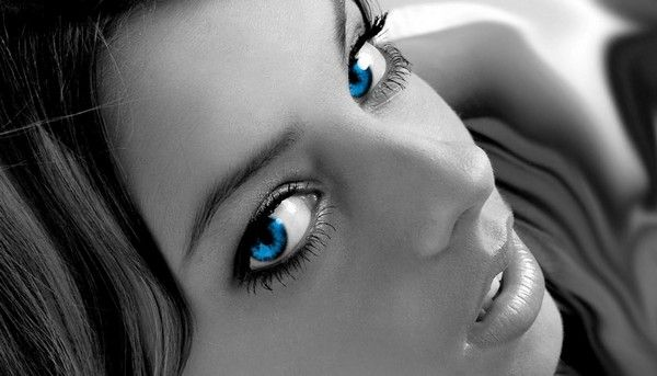 Cute Blue Eyed Girls (25 pics)