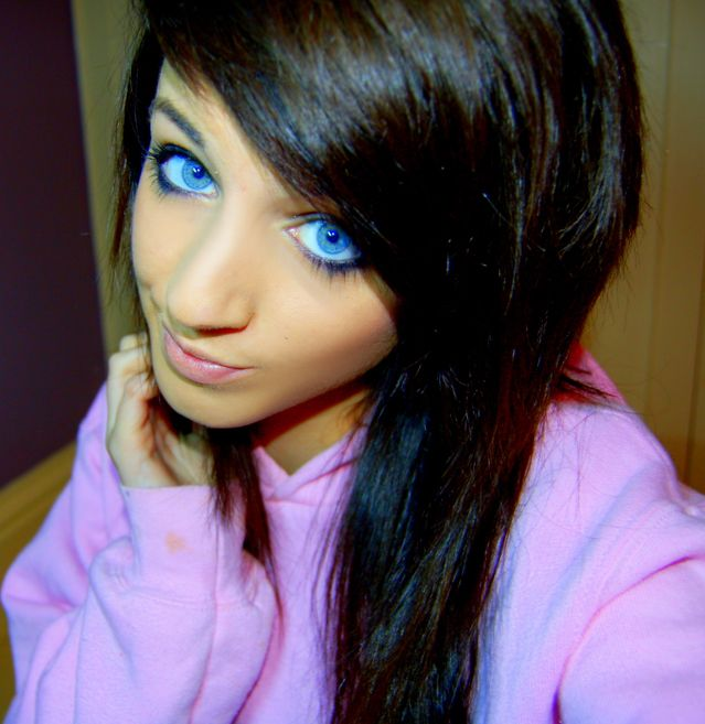 girl with black hair blue eyes cute blue eyed girls 25 pics