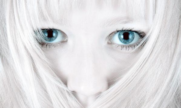 Cute Blue Eyed Girls (25 pics)