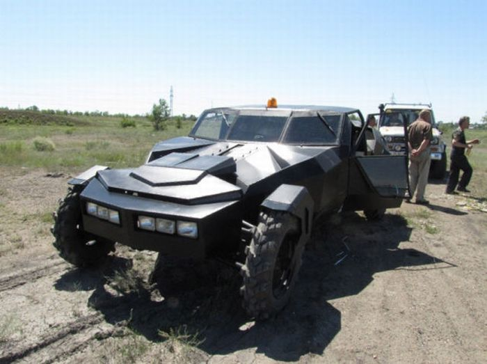"""Black Crow"" Homebuilt Car From Kazakhstan (12 pics)"