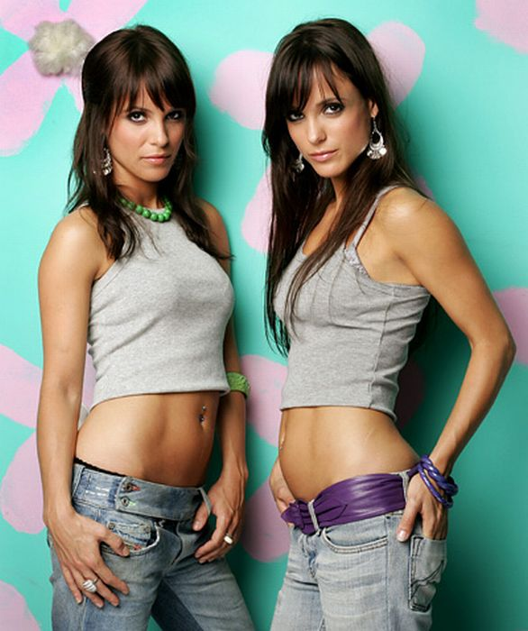 Charming Twins Sisters (73 pics)