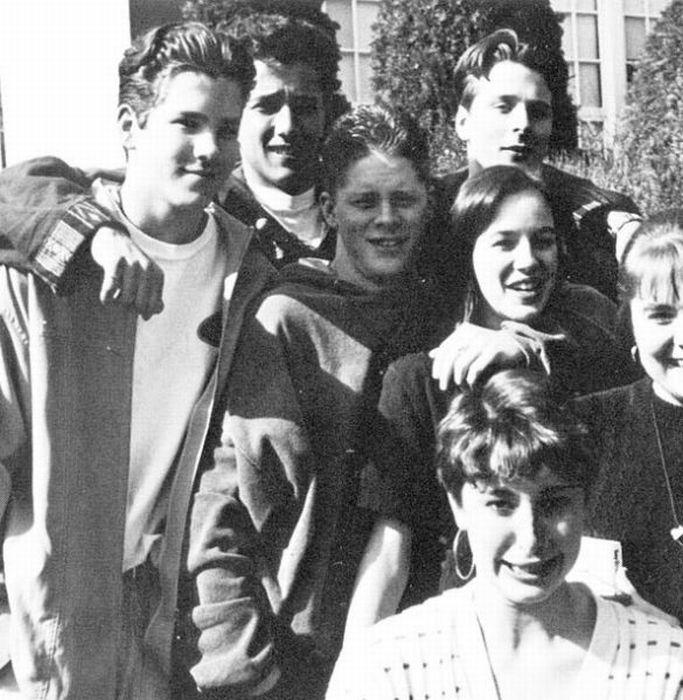 Celebrities at School (18 pics)