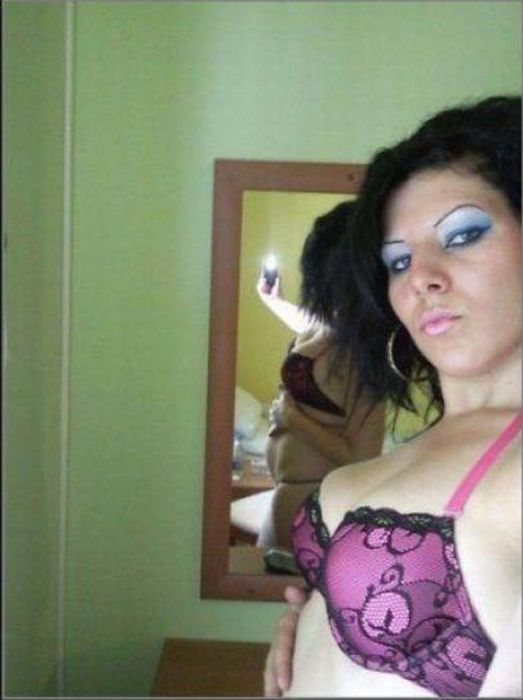 Girl Self Shot Fails (13 pics)