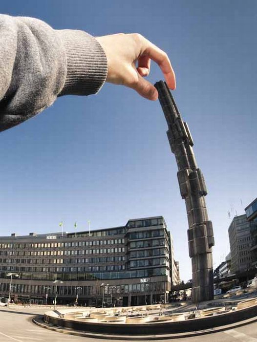Great Forced Perspective Photography (60 pics)