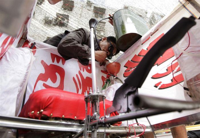 Chinese Farmer Creates Homemade Flying Saucer (11 pics)