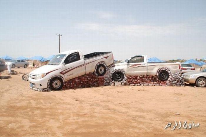 Weird Motor Show in Saudi Arabia (5 pics + video)