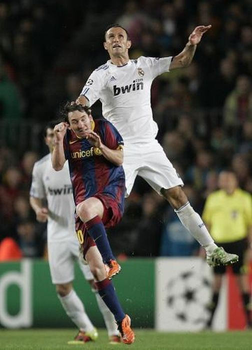 Funny Soccer Moments (34 pics)