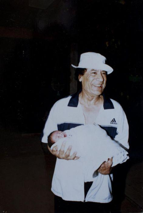 Muammar Gaddafi Family Album (17 pics)