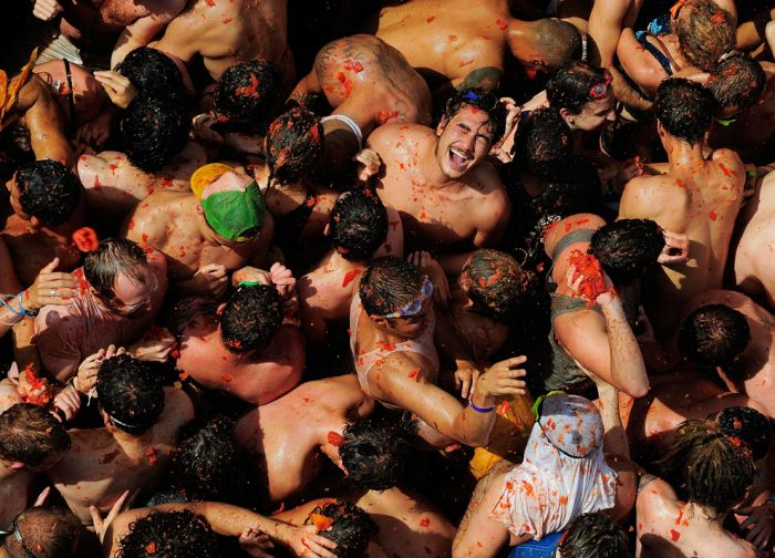 Tomatina Festival 2011: Epic Food Fight in Spain (19 pics)